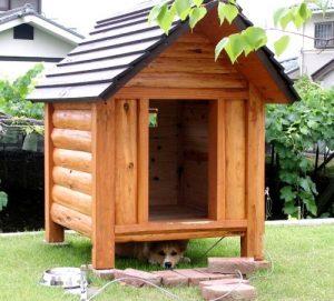 ログタイプの犬小屋